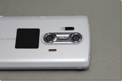 売りの3Dツインカメラ